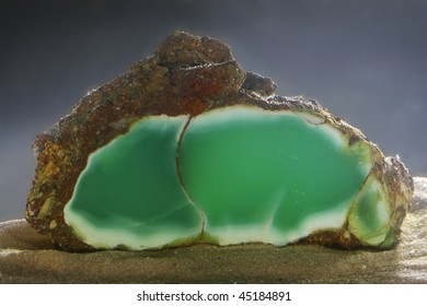Mineralogical specimen of chysoprase shooted under the water