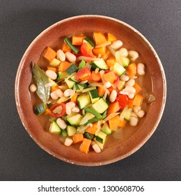 minestrone, vegetable and broth