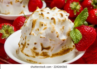 "mini baked Alaska made with chocolate brownie and strawberry ice cream  ""mini baked Alaska"","