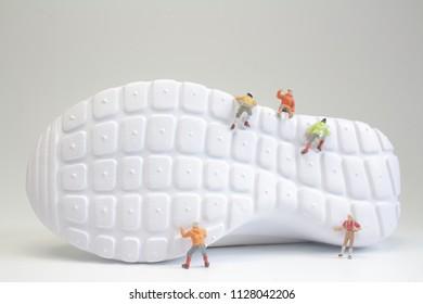the mini of figure climb the shoes