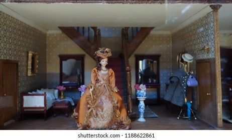 Mini figure diorama scaled vintage girl in the house