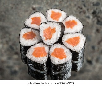 Mini roll with salmon