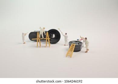 the mini woker clearing the mini lens