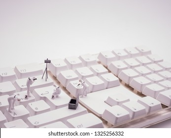 Miniatur forensics on computer keyboard