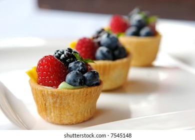 Miniature fruit tart