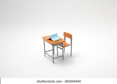 Miniature learning desk