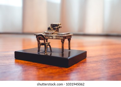 Miniature Old Desk with Typewriter Macro