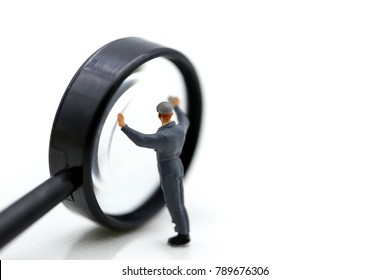 miniature people : workman clean Magnifying glass.
