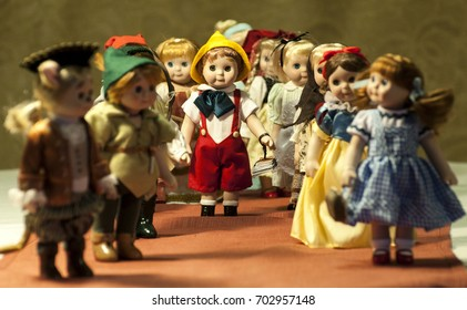 miniatures dolls from fairy tales/Miniatures