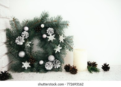 Minimal Christmas wreath