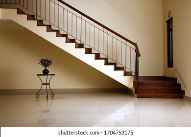 Minimal interior stairs at home