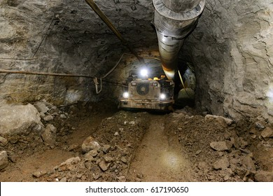 Mining industry. Metal ore mechanical transportation.