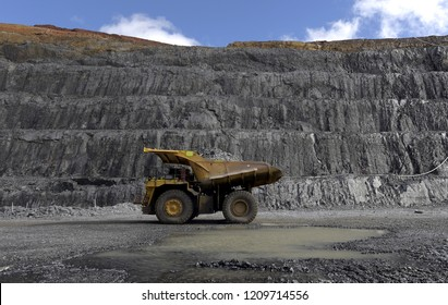 Mining - Natural Resources, Dump Truck, Mine, Chile, Pick-up Truck