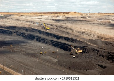 mining, an open-pit coal field for the production of black coal!
