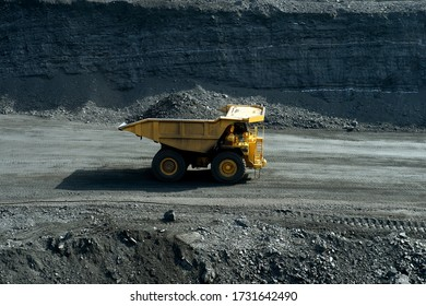 Mining, quarry, dump truck, open field