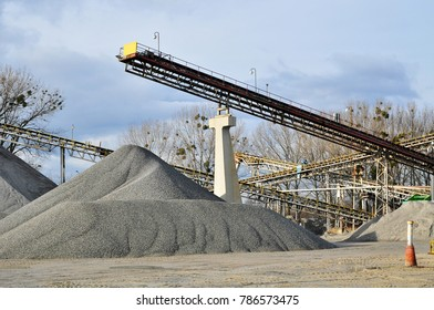 Mining site conveyor for gravel quarry