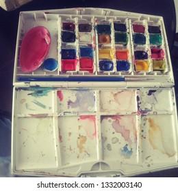 Miniture watercolor paltte box