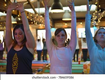 b7741298b1 Savanna Pose Yoga Images