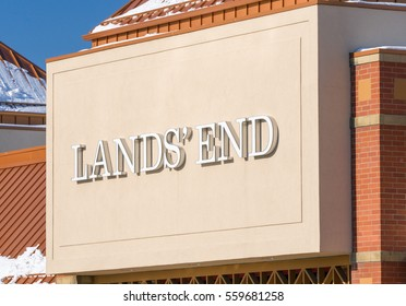 MINNEAPOLIS, MN/USA - JANUARY 14, 2017: Land's End retail store exterior and trademark. Lands' End is an American clothing retailer that specializes in casual clothing, luggage, and home furnishings.