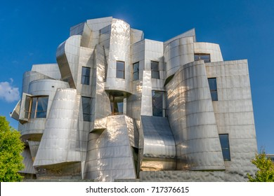 MINNEAPOLIS, MN/USA - SEPTEMBER 10, 2017: Frederick R. Weisman Art Museum  on the campus of the University of Minnesota.
