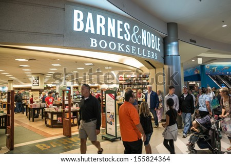 MINNEAPOLIS,MN - SEPTEMBER 26: Barnes and Noble in Mall of America, in Minneapolis, MN, on September 26, 2013.