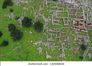 Minoan town of Vasiliki was an early minoan settlement situated on a small hill north of Ierapetra and south of the village Pacheia Ammos