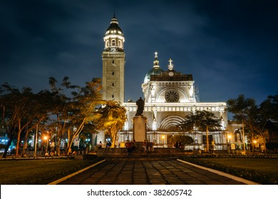 The Minor Basilica and Metropolitan Cathedral of the Immaculate Conception (Manila Cathedral) at night, in Intramuros, Manila, The Philippines.