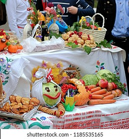 """MINSK, BELARUS - September 22, 2018: Exposition of children's autumn compositions at the school fair dedicated to the harvest festival"""