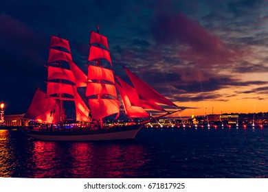 Miracle night show. Celebration Scarlet Sails on the Neva. ST PETERSBURG, JUNE 24, 2017.