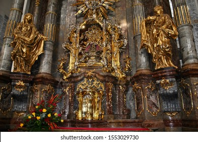 Miraculous Infant of Prague altar, Shrine of the Infant Jesus of Prague, Church of Our Lady Victorious, Mala Strana, Prague, Czech Republic
