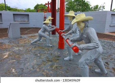 Miri, Sarawak - January 18 2019. Ths statues of people working at the oil rig which is part Grand Old Lady monument for Miri Oil Well Number 1 at Canada Hill in Miri, Sarawak, Malaysia.