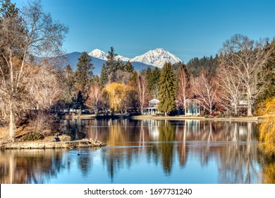 Mirror Pond view in Bend, Oregon along the Deschutes River.