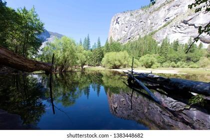Mirrow lake in Yosemite national park