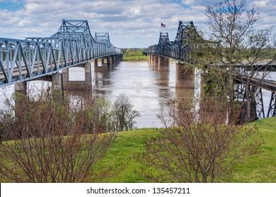 "Mississippi River bridge, at Vicksburg, MS.  I-20 bridge and ""old bridge, train trestle""."