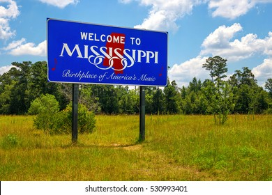 "Mississippi welcome sign with the words ""Birthplace of America's Music"""