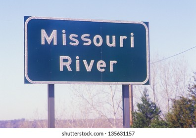 Missouri River sign (Slightly grainy, best at smaller sizes)