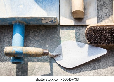 Mix of cement and plaster work equipment
