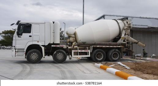 Mix cement truck