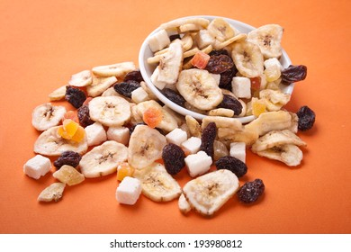 mix of tropical dried fruit