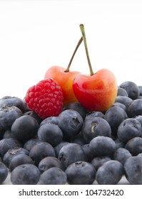 Mixed berries in a pile