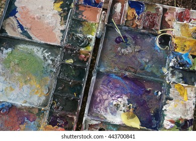 Mixed colorful of oil color paint tray art