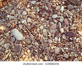 Mixed little brown and grey stones