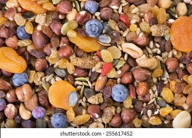 Gemischte Nüsse und Trockenfrüchte