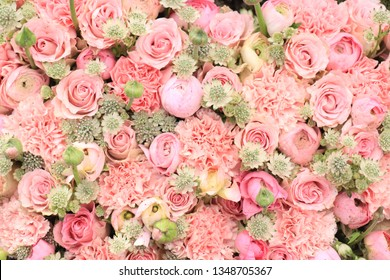 Mixed pink flower arrangement: various flowers in different shades of pink