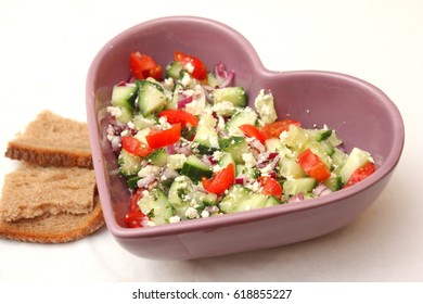 Mixed salad with cheese