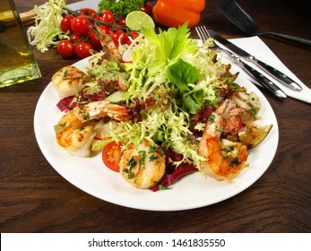 Mixed Salad with Scallops and Tiger Prawns