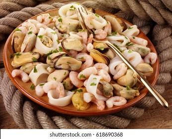 MIXED SEAFOOD MEDLEY