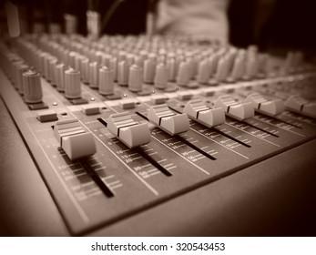 Mixer audio sepia