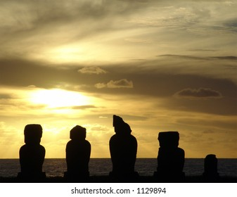 moai sunset estear island