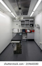 Mobile operating module for field hospital